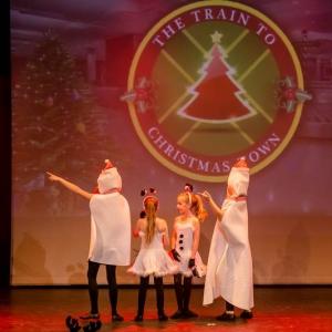 2016-12-18_A Christmas Vacation_Dansatelier Den Haag_show 1_X-Noize.nl-13