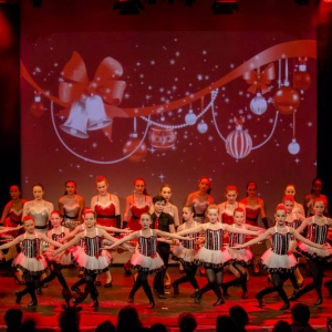 2016-12-18_A Christmas Vacation_Dansatelier Den Haag_show 1_X-Noize.nl-37