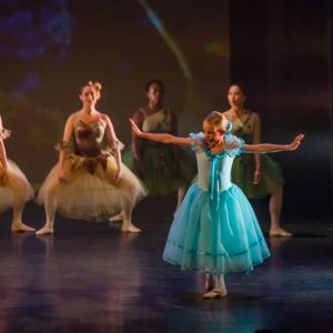 13 Alice in Wonderland Movie Tributes Het Dansatelier by X-Noize-66-LR